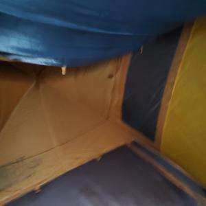 テントの中にいるけど雨風強くてこわいお (´;ω;`)
