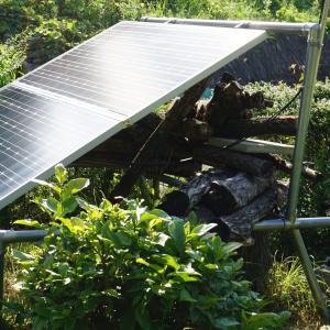 【DIY】蓄電型太陽光発電のソーラーパネルの並べ方