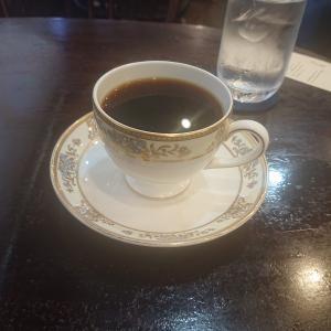 喫茶店に来て初めて気づく。