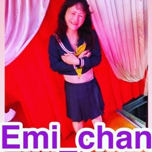 TV出演中Emichanのビキニできゃーのきゃーの連発in この後郁恵さんの夏のお嬢さん熱唱