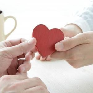 年の差恋愛は辛い恋!?片思いを成就させる方法とは?