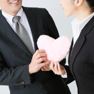 リスクはつきもの!?職場恋愛を叶えるアプローチ方法3選&注意点も