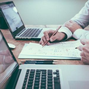 第二新卒でWEB制作会社に転職する方法を徹底解説!【WEB未経験・25歳の体験談】