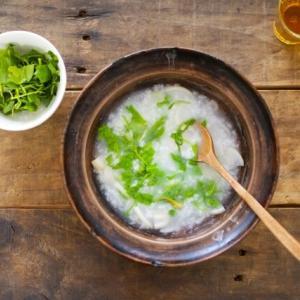 七草粥(がゆ)とはいつ食べるの?七草を食べる由来や意味は?七草の種類も