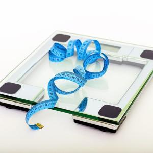 ダイエット始めてから突然体重が落ちなくなった…