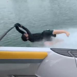 パパの爆笑水上スキー・その2