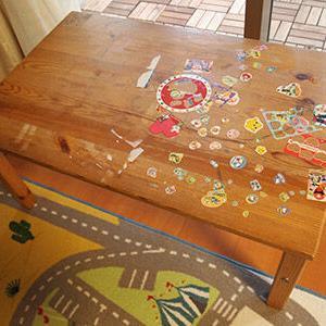 子供用机のシール剥がしと修繕レポ