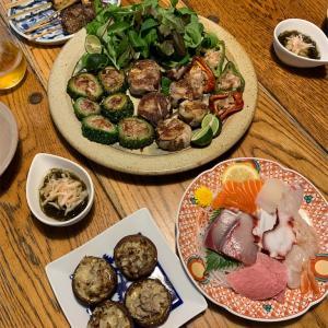 金曜の夜は 家飲み 野菜の肉巻きと椎茸焼で