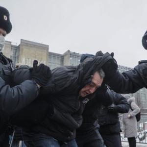 ロシアで反プーチンデモ プー御殿も暴かれイメージガタ落ち!