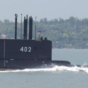 韓国で大規模改修したインドネシア潜水艦が乗員53人ごと沈没か