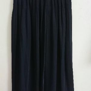 久しぶりに買ったスカートはユニクロでした。