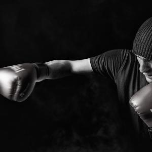 苦手意識やコンプレックス、嫌なことや辛いことを乗り越えるほど自身の強みに変わる