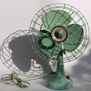 扇風機のホコリを掃除すれば風量が戻る?!