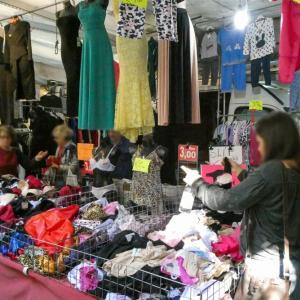井クークマン女子がオープン-機能的でリーズナブルな衣料品で女性人気過熱