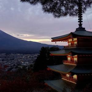 『富士山』は河口湖側と山中湖側だとどっちが綺麗に見える?