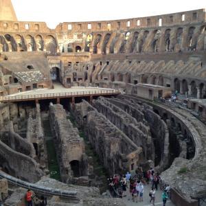 【イタリアひとり旅】神秘的なトレヴィの泉。2,000年前近い建造物が残るコロッセオ。