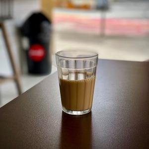 地球(日本)🌎の真裏:ブラジルの『ランショネッチ(大衆食堂:Lanchonete)』でボォ〜っとしながらカフェ☕️でも一杯。