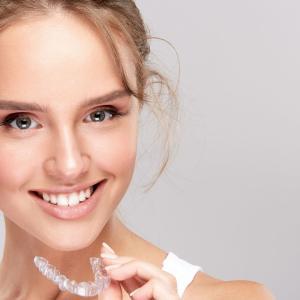 【青色LED付き電動歯ブラシ!?】歯のホワイトニングに関するニュース(2021年1月4日)
