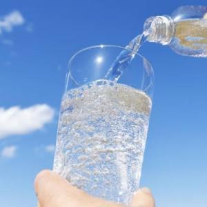炭酸は炭酸飲料だけではない!炭酸水には健康と美容効能がある!