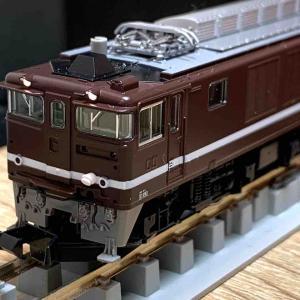 TOMIX EF64-1052 入線!
