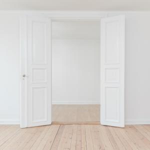 ★狭い部屋を広く見せるポイント7つ~お金をかけなくてもスッキリ広く見せることはできる!~