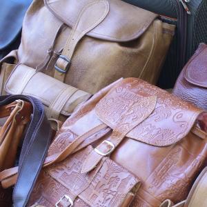 通勤バッグはリュックがおススメ~身体の歪みからくる肩こり・腰痛を予防しよう~
