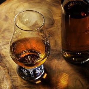 アーモンドに合うお酒は?その相性と二日酔いを避ける最良の方法