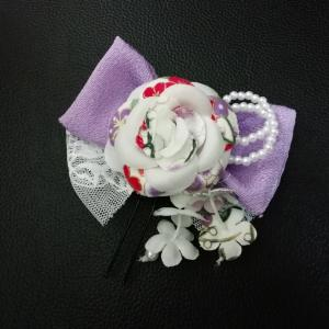 薄紫色の髪飾り