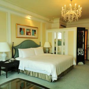 Shangri-La Singapore Valley Wing シャンパン飲み放題のVIP御用達ホテル宿泊記