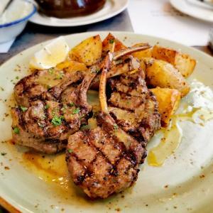 BAKALAKI シンガポール 地中海の風を感じるギリシャ料理屋さん
