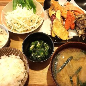 天ぷらの盛り合わせ 定食。