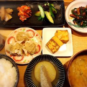 中華 盛り合わせ 定食。