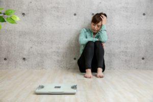 拒食から非嘔吐過食へ。――「太っていく自分が許せない」摂食障害で最も辛い時期。