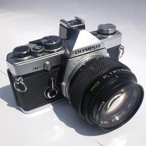 40年前の一眼レフカメラ 『オリンパス OM-2』を持っています