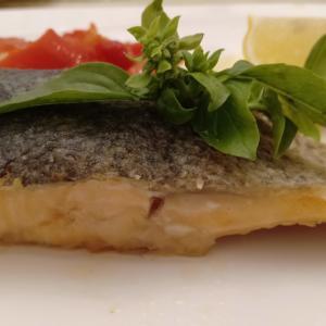 比較!鱒をムニエルで食す。鮭と比べてみると…。