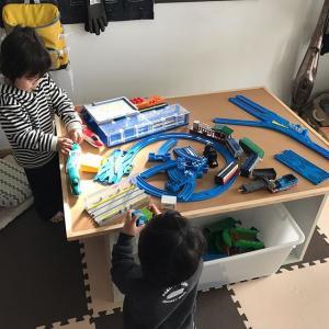 【DIY】プラレール用プレイテーブルを自作