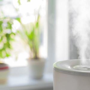 【加湿器】シーズンオフだし加湿器を掃除・収納しよう! 家電も人もメンテナンスが必要ですよね。