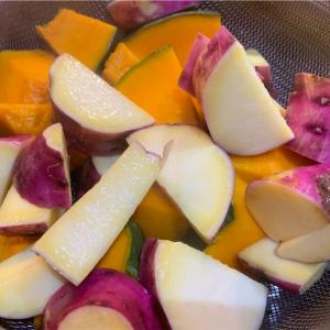 簡単温野菜は鍋で蒸すのが楽しい。