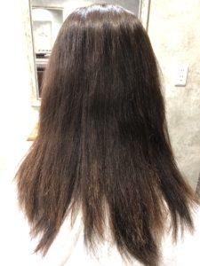 他店の縮毛矯正で痛んでチリチリになった髪をcharmの縮毛矯正で綺麗に仕上げました
