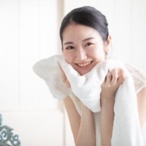あなたの年齢に合わせたお肌のケアは美容成分配合の洗顔料で洗顔しましょう