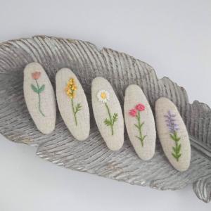 刺繍パッチンピン