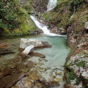 山梨県 北杜市 桑の木沢渓谷6 三条の滝