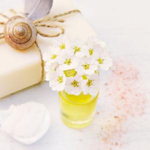 お風呂で時短美容!シャンプーも洗顔も1ステップで完了させる方法とは?