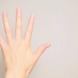 人差し指よりも薬指が長いとハゲる?