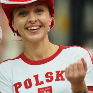 【画像】サッカーさん…スポーツの生観戦で美女客多すぎるwwww