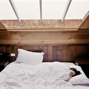 いい睡眠のために知っておきたい『眠りを大切にするための7つの習慣』と『快眠アロマ』