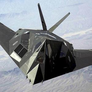 「ステルス機と言えばコイツ」みたいな戦闘機おるやん?