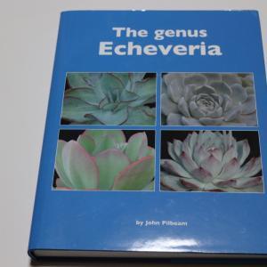 【多肉本紹介 2】原種エケベリアマニア必読! John Pilbeam 『The genus Echeveria』