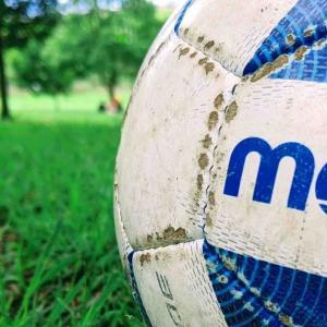 サッカーで声を出せるようにするには何が必要か。