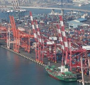 【韓国全国経済人連合会】 「韓国、7年後には日本を抜いて世界5位の輸出国に飛躍の見通し」 [12/03] [荒波φ★]